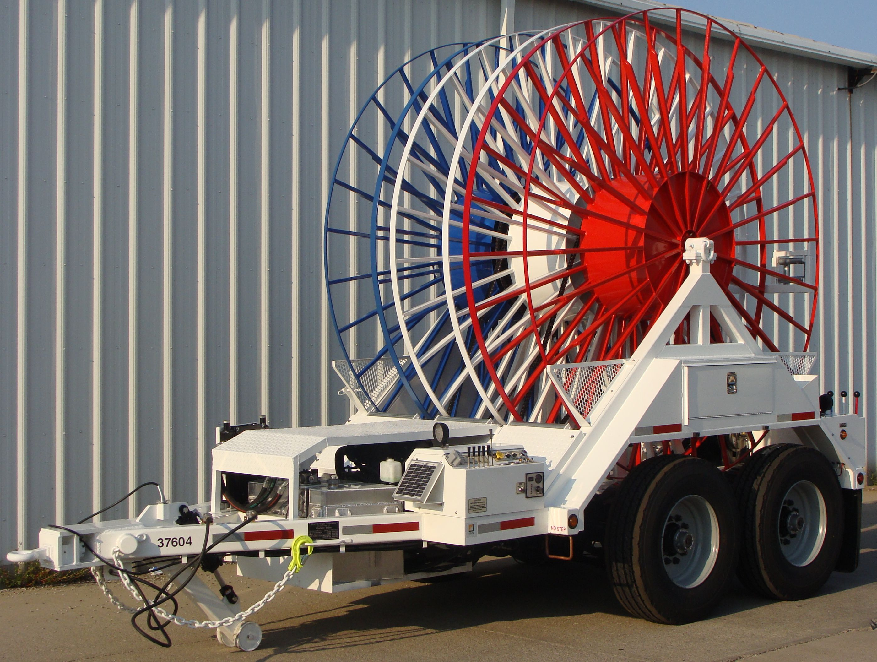Hydraulic 3-reel Trailer for Stringing Underground Transmission Cable, Self-Driving
